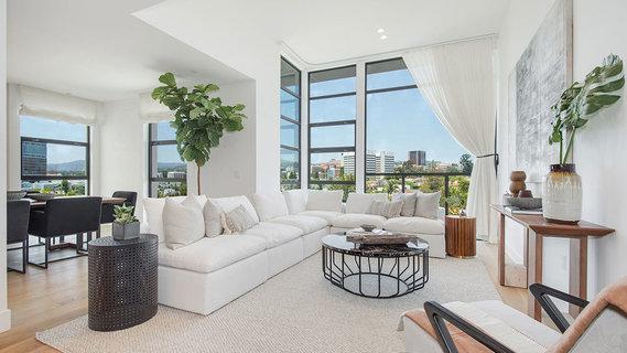 每日豪宅   视野开阔的洛杉矶西区全新顶层公寓