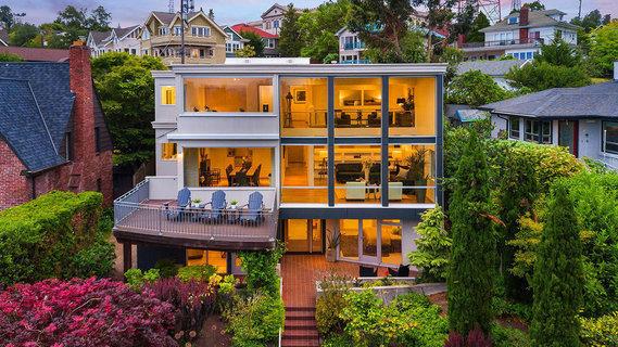 每日豪宅   饱览都市风光的西雅图翻新现代别墅