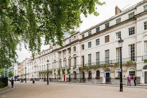 每日豪宅 | 亮相好莱坞新片的伦敦知名广场联排别墅