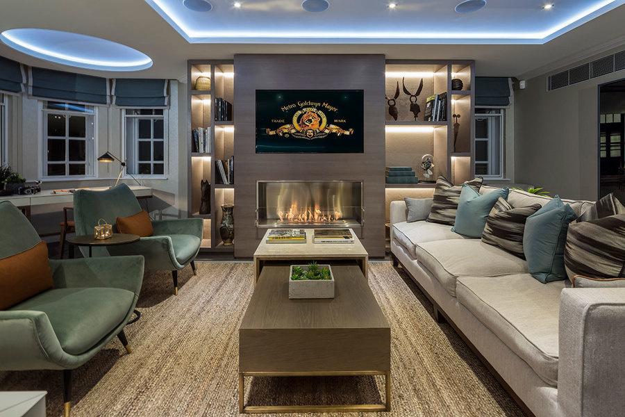 图为项目一套样板间的客厅。