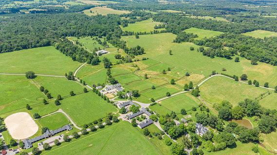 每日豪宅   静卧蓝脊山麓的弗吉尼亚州宏大马场庄园