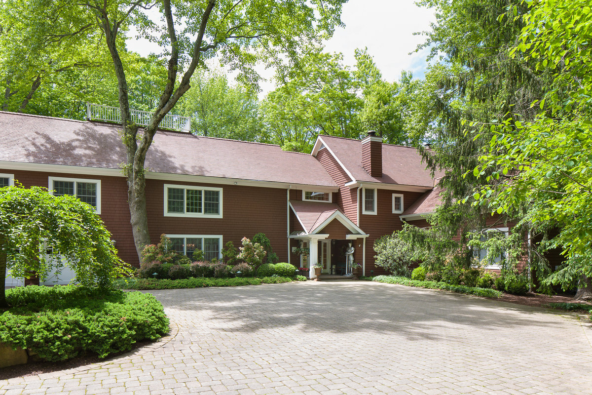pound ridge single guys A pound ridge man who claimed to be a hedge fund manager admitted to ripping off friends, family and acquaintances, many of whom live in the area of his wealthy new york suburb, with risky.